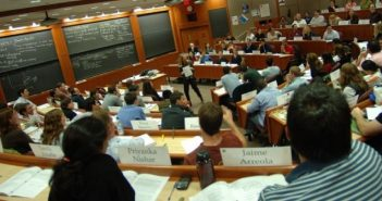 life-at-hbs-harvard-business-school-two-year-mba-world-full-time-residential-mba-a-students-experience-academic-classroom-activities